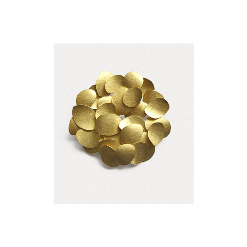 Kayo Saito petal flat disc brooch 18ct gold